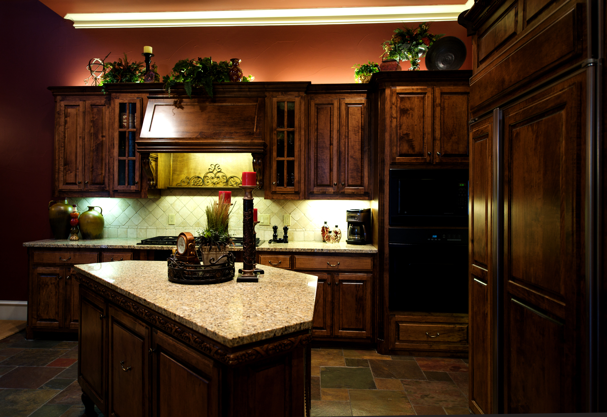 who can help me find the best solid wood cabinetry in palm beach for my home?